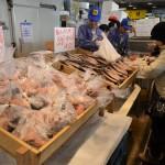 (株)安部水産、当店では、明太子の「あきらめんたい」等の加工品、季節商品としての「伊勢海老」・「毛蟹」・「アサリ貝」をはじめ、貝・海藻・海老・蟹等を販売しています。