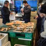 (有)さくら商店 仲卸歴50年で鮮魚店などから信頼を得ています。魚をより身近に感じ好きになってもらえるよう魚のさばき方、レシピ等をご説明します。一同皆様の笑顔をお待ちしています。
