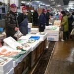 (株)上原商店 当店では朝水揚げされた健康に良いとされる青魚、アジ、サバ、イワシや近海物の新鮮な魚を中心に扱っております。各担当者がおいしい食べ方を教えますよ!!